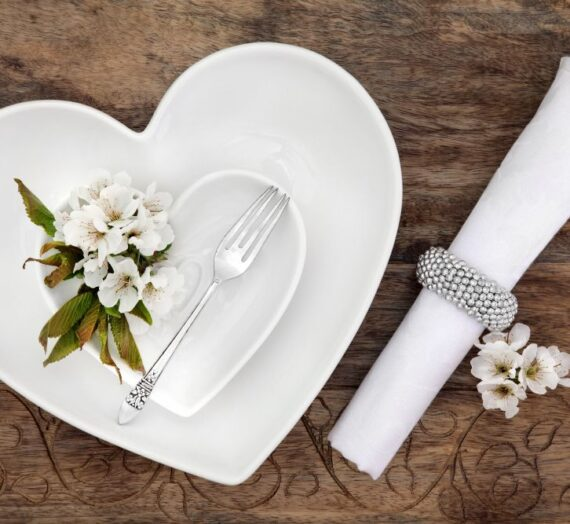 Tradycyjny prezent ślubny czyli zestaw sztućców